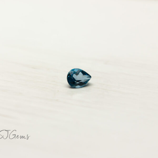 London Blue Topaz 0.17ct Pear