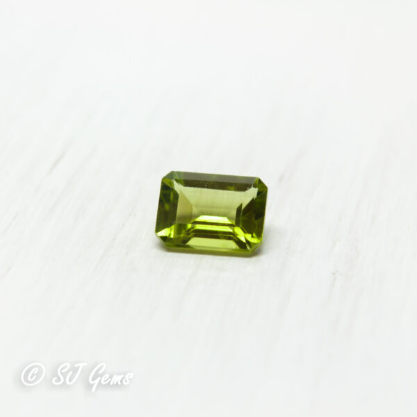 Peridot 1.05ct Octagon