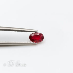 Ruby 0.50ct Oval